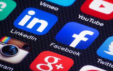 social media icons cloeseup